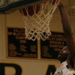 Deaundray Robinson dunks
