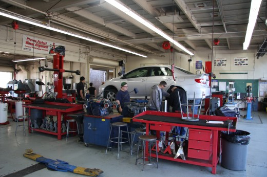 Students working at the Autoshop of Yuba College