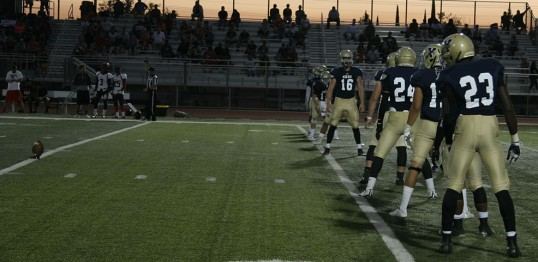 49ers line up for a kick at home against Gavilan